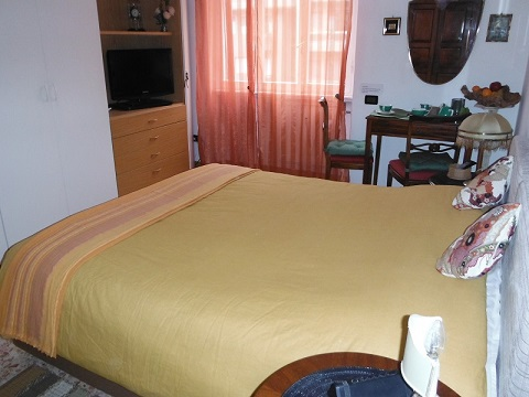 Bed & Breakfast - Double or Twin-Bed Room